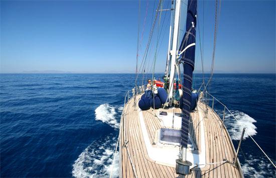 Esper getting ready for a sail