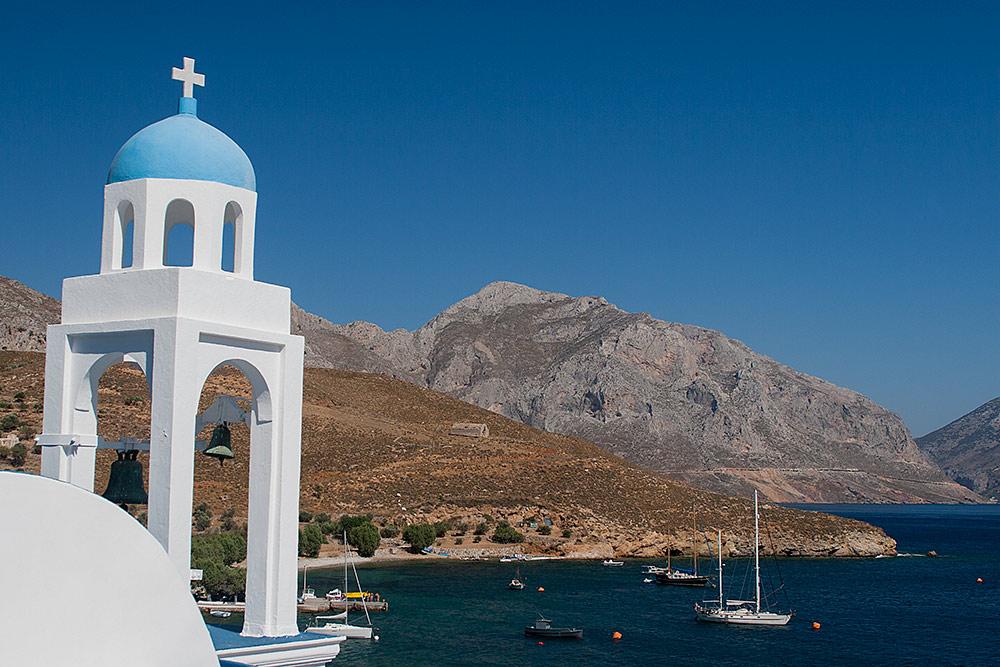 Esper takes a mooring buoy in Greece