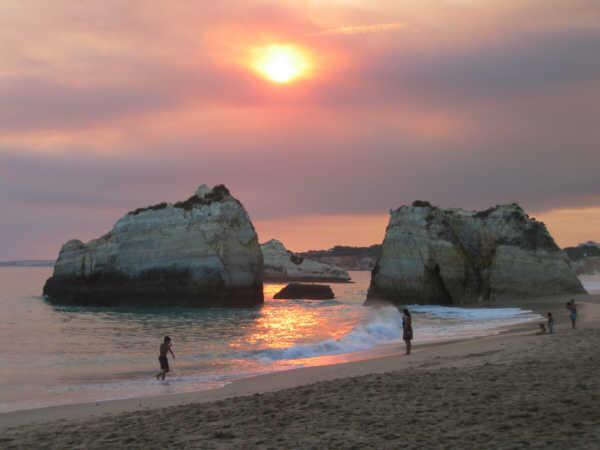Praia De Rocha Beach