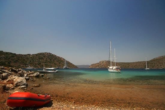 Esper at anchor in Dirsek. Just look at that water!