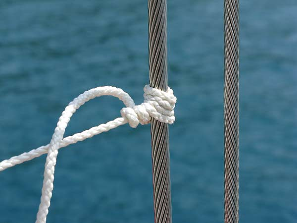 A variation on the rolling hitch