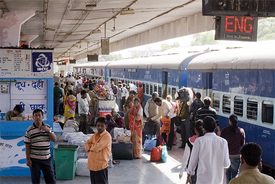 Train stations can get packed. This is a quiet moment during off-peak hours!