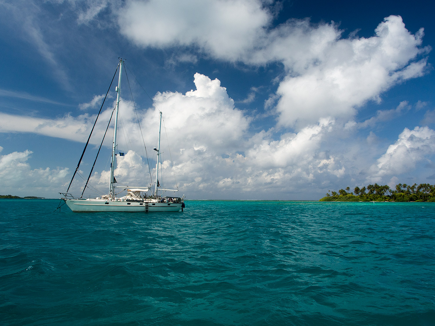 One of the last pics of Esper at anchor in south Maldives