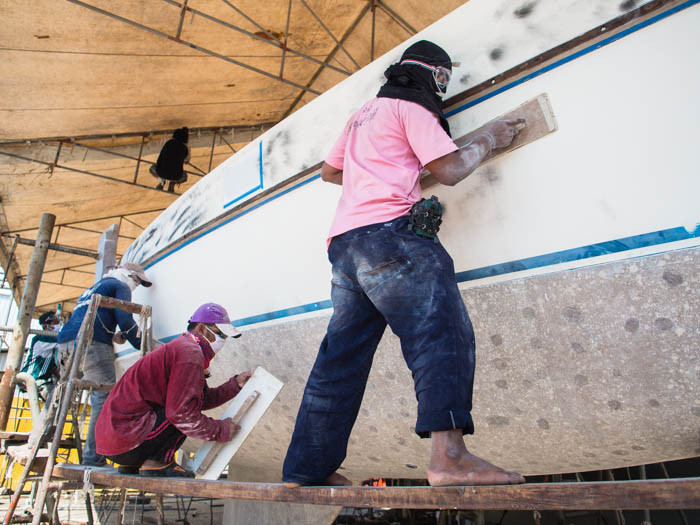 Painters faring the boat