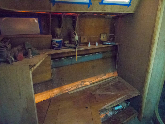 The old single bunk. A large, wasted space