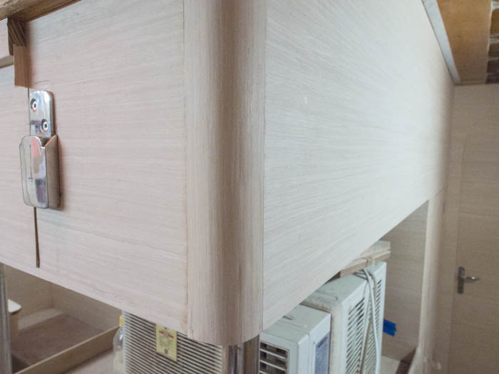 A completed corner, with vertically-running veneer