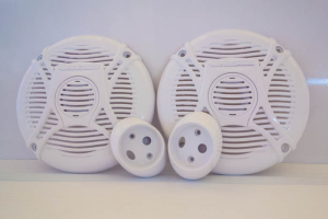 The yellowing speaker cases are sprayed with Awlcraft Snow White