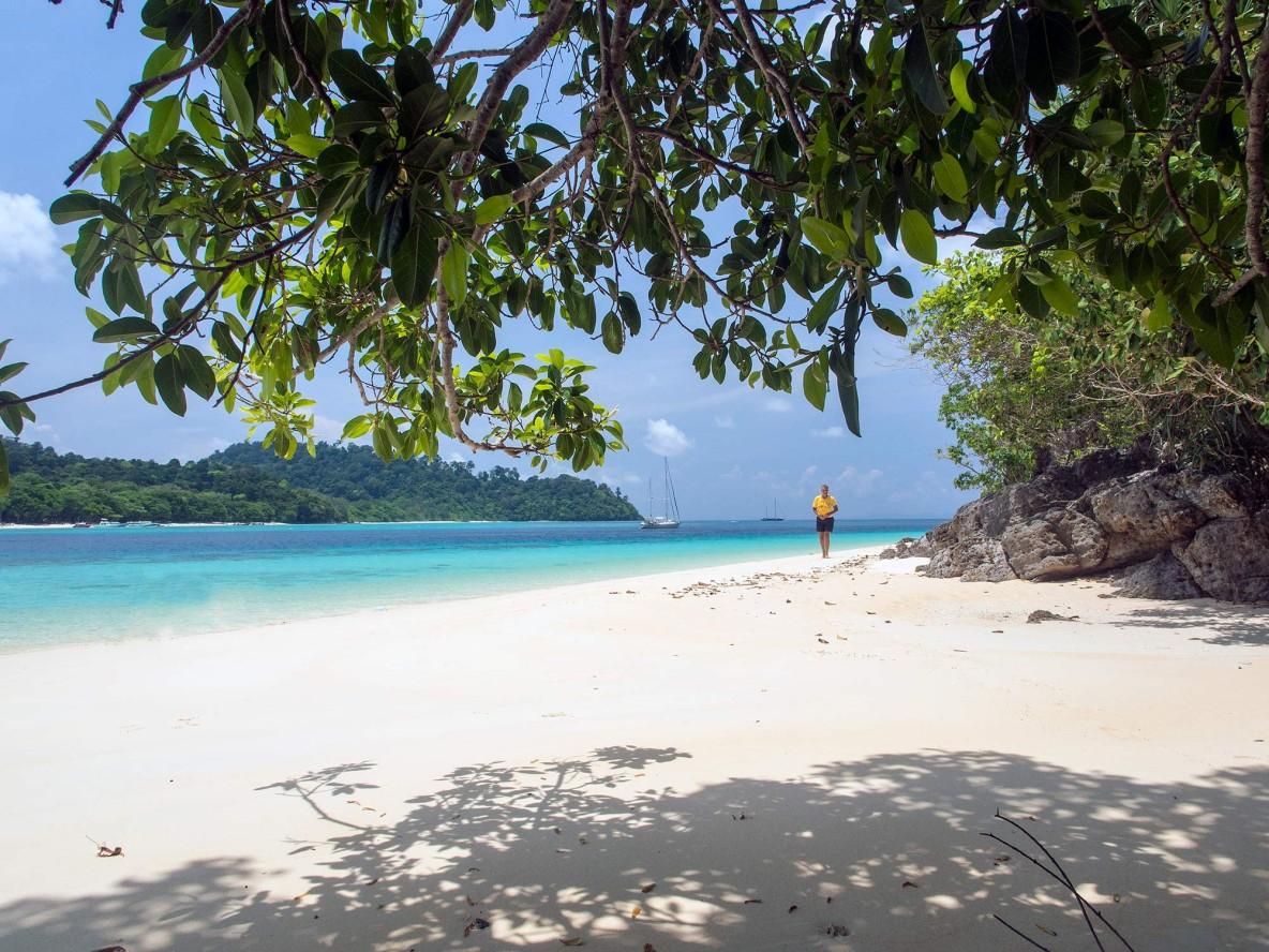 golden-sandy-beach-thailand-sun-sea-sand
