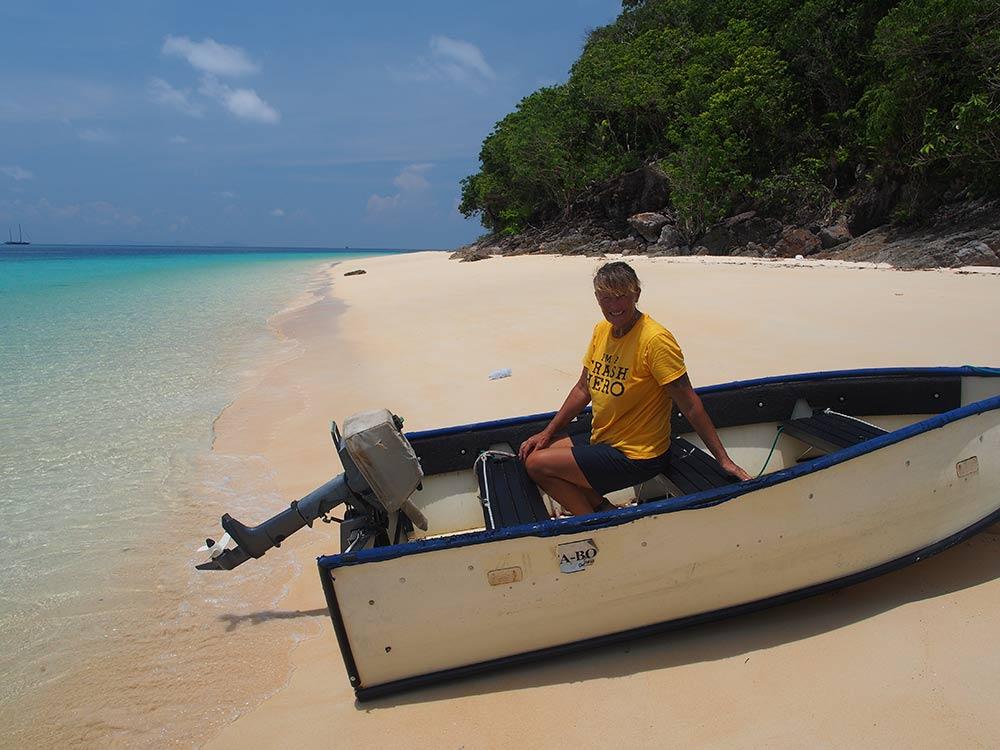 liz-portabote-dinghy-thailand-beach-boat-sail-tender