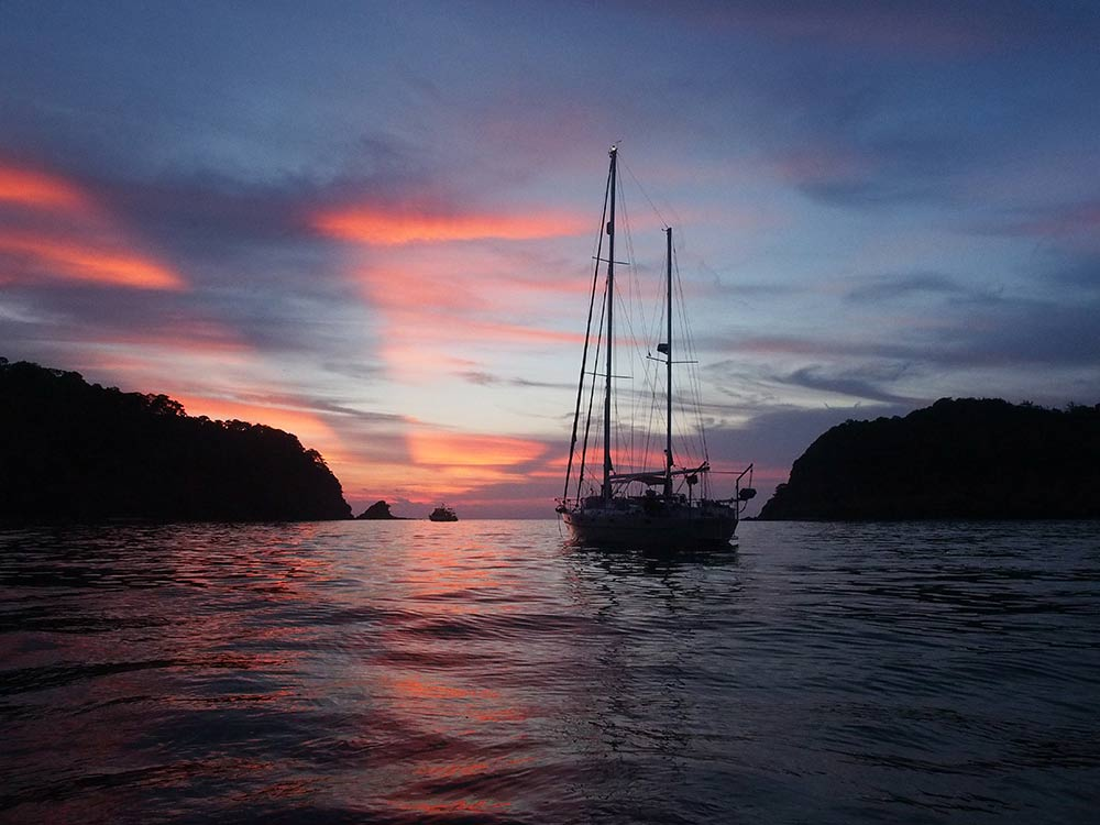 sunset-mooring-sailboat-followtheboat-thailand-ko-rok