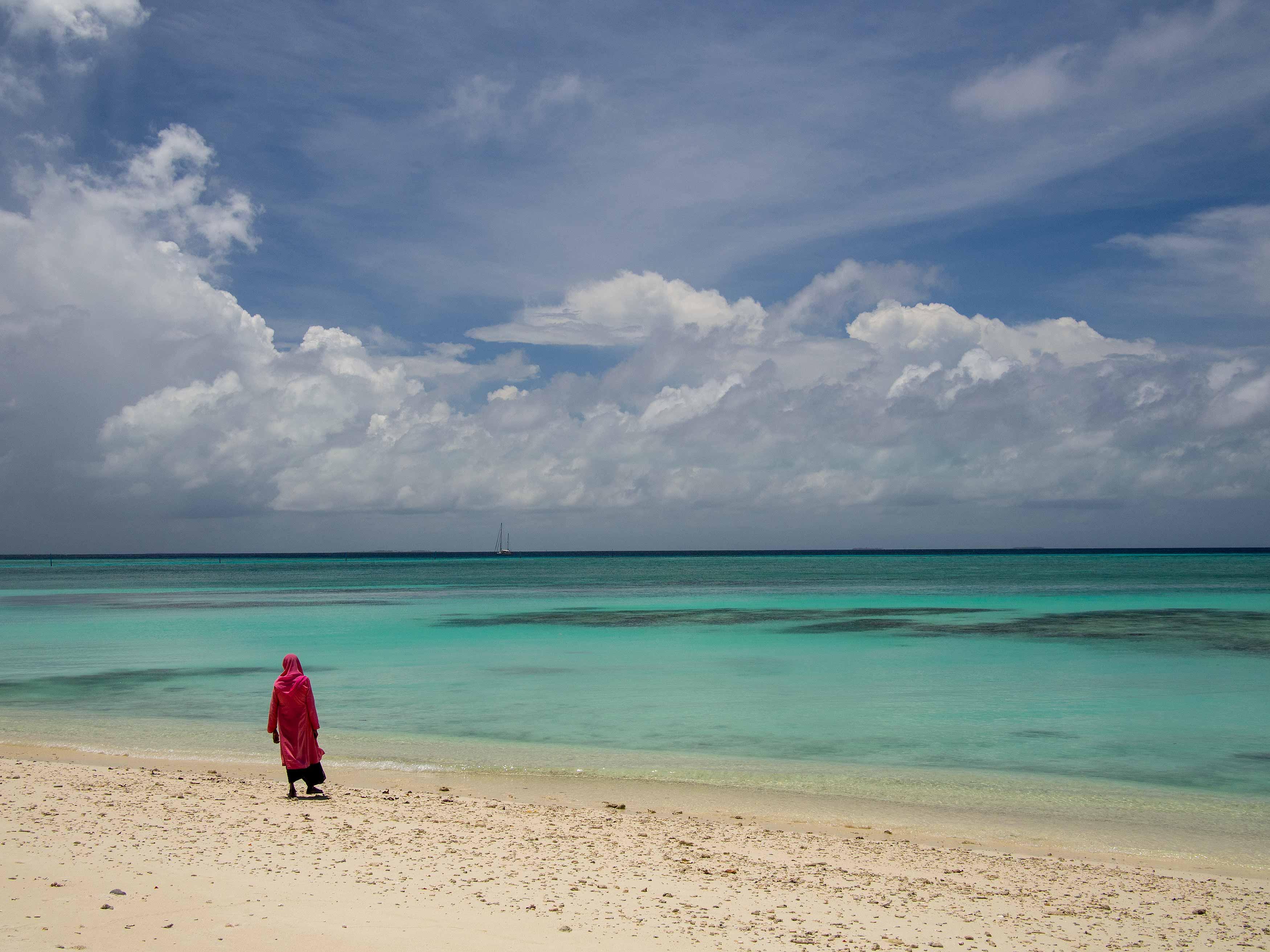 (Near) desolate beaches, Uligamu, Maldives (2013)